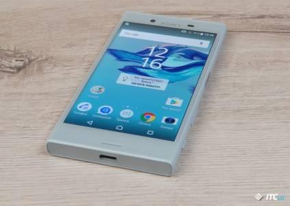 Обзор Sony Xperia X Compact: один такой