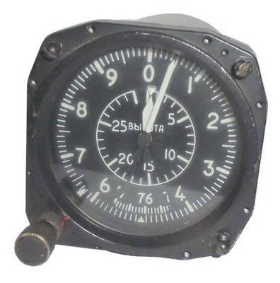 Altimetr barometricheskii